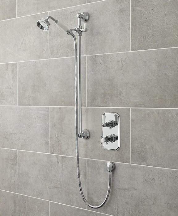 traditional shower kit with concealed thermostatic shower valve