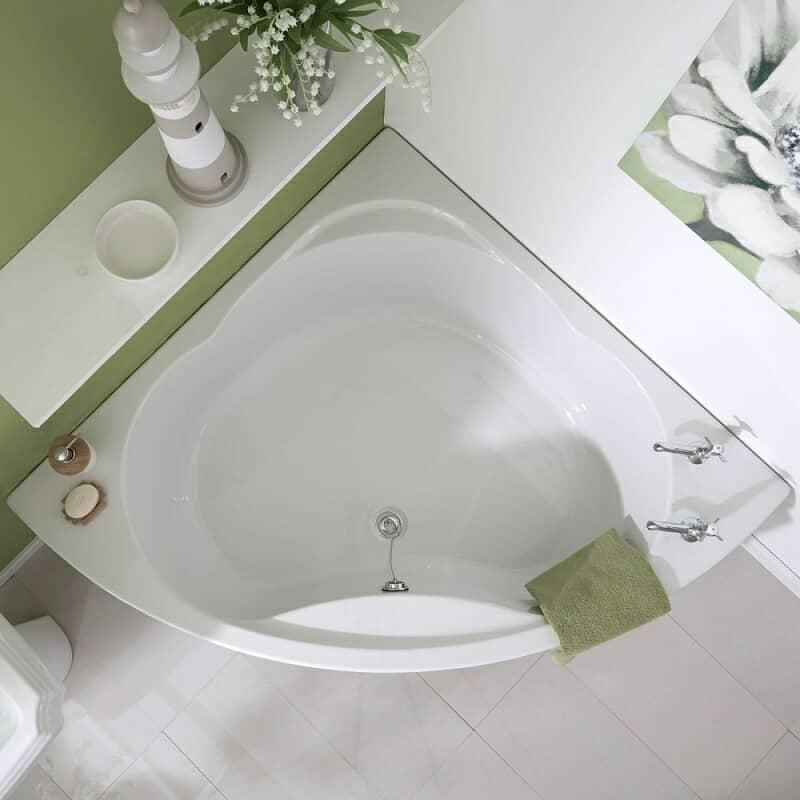 Shell shaped corner bath
