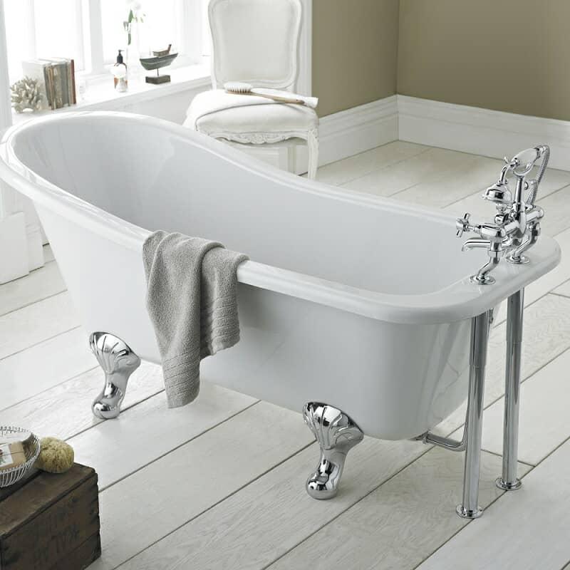 freestanding slipper bath with chrome feet