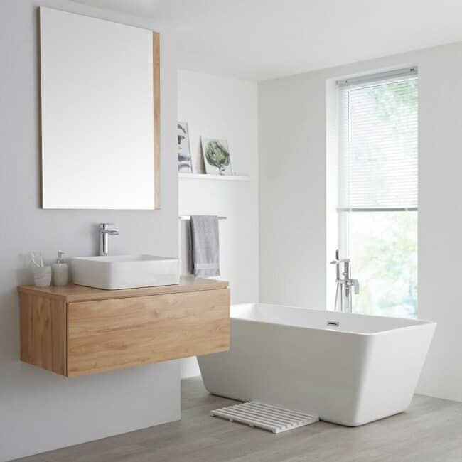 oak vanity unit with rectangular freestanding bath
