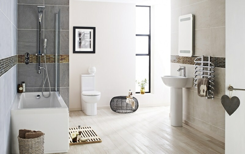 Modern bathroom with natural wood colours and white furnishings