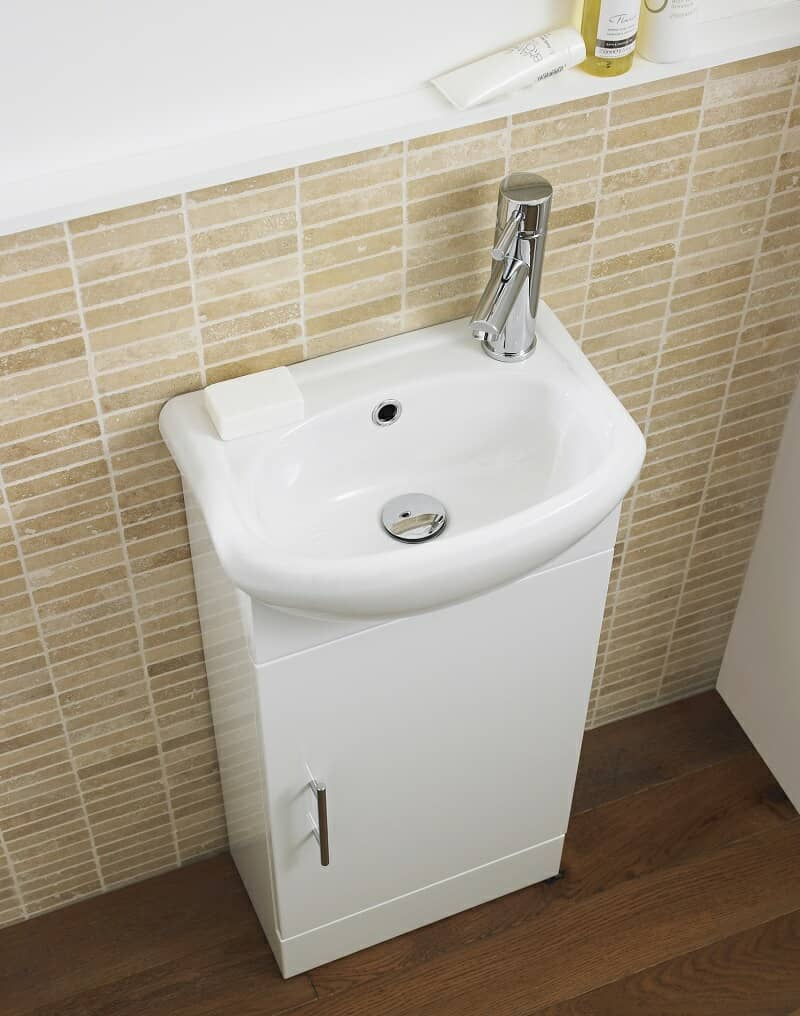 Cloakroom vanity unit with mono tap