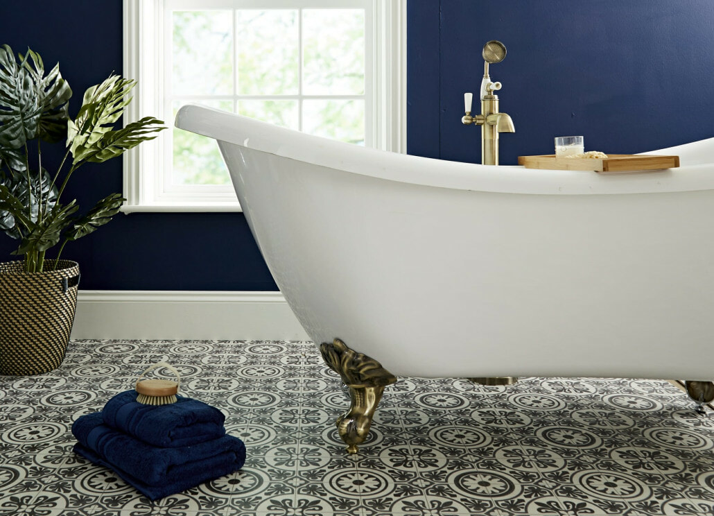 Traditional bath with gold feet