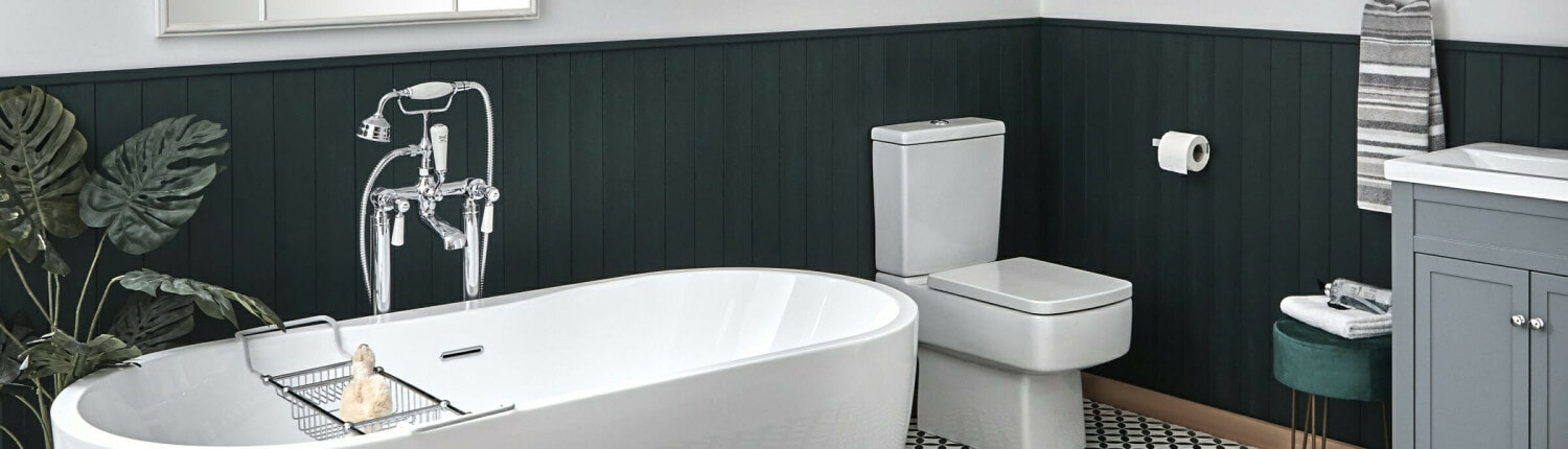 Dark green bathroom set with bathtub and toilet