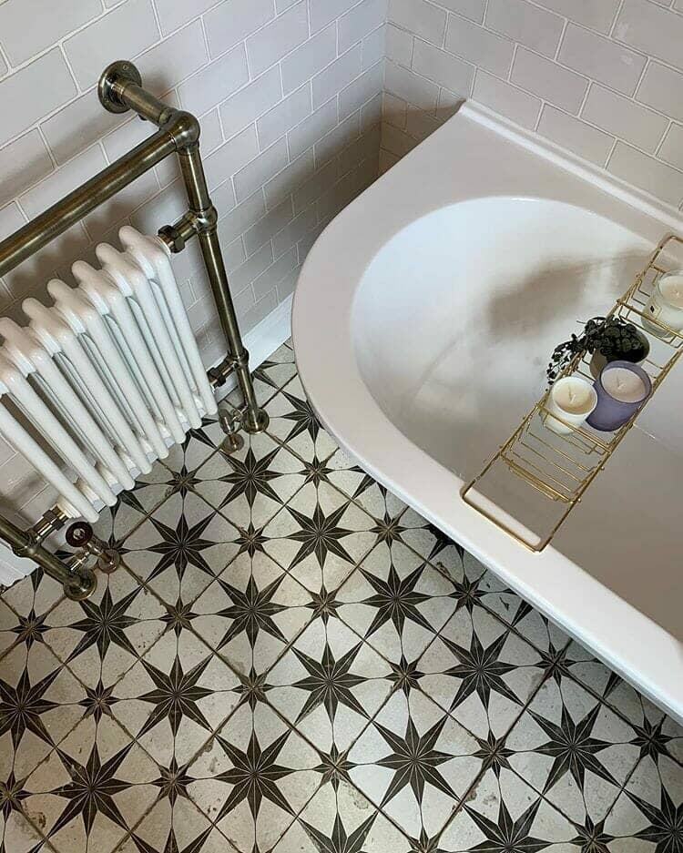 Victorian bathroom main image