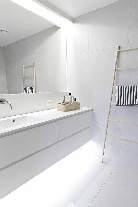 clean line bathroom design