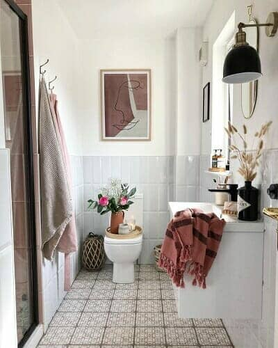 @its_all_about_the_house customer bathroom space