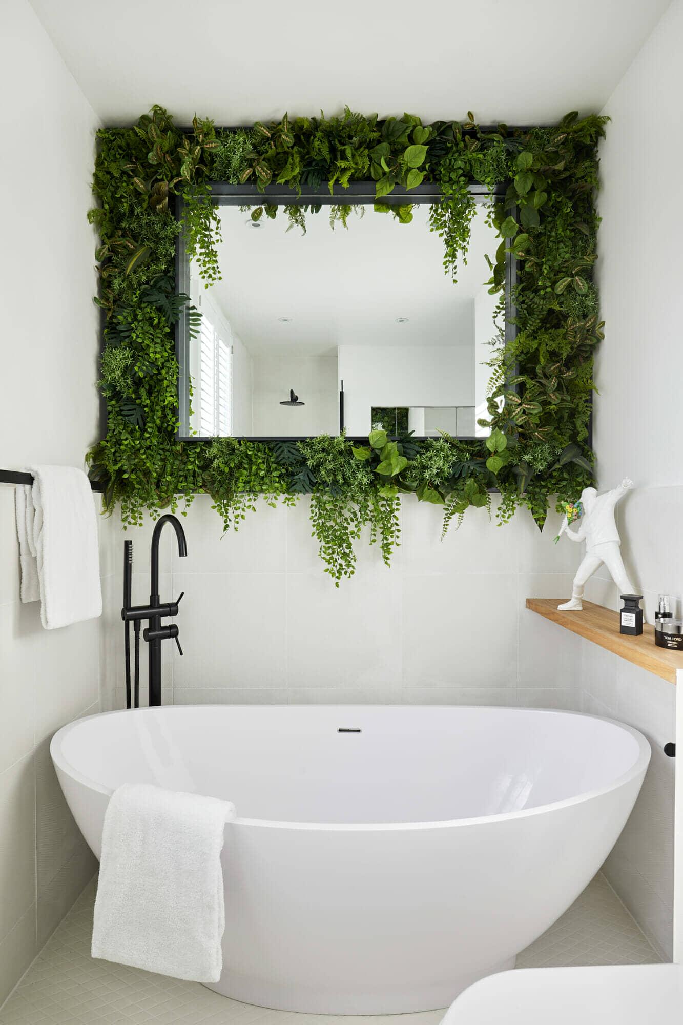 black modern freestanding bath tap