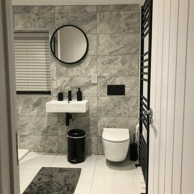 Monochrome modern bathroom