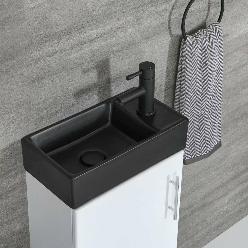 black monobloc tap