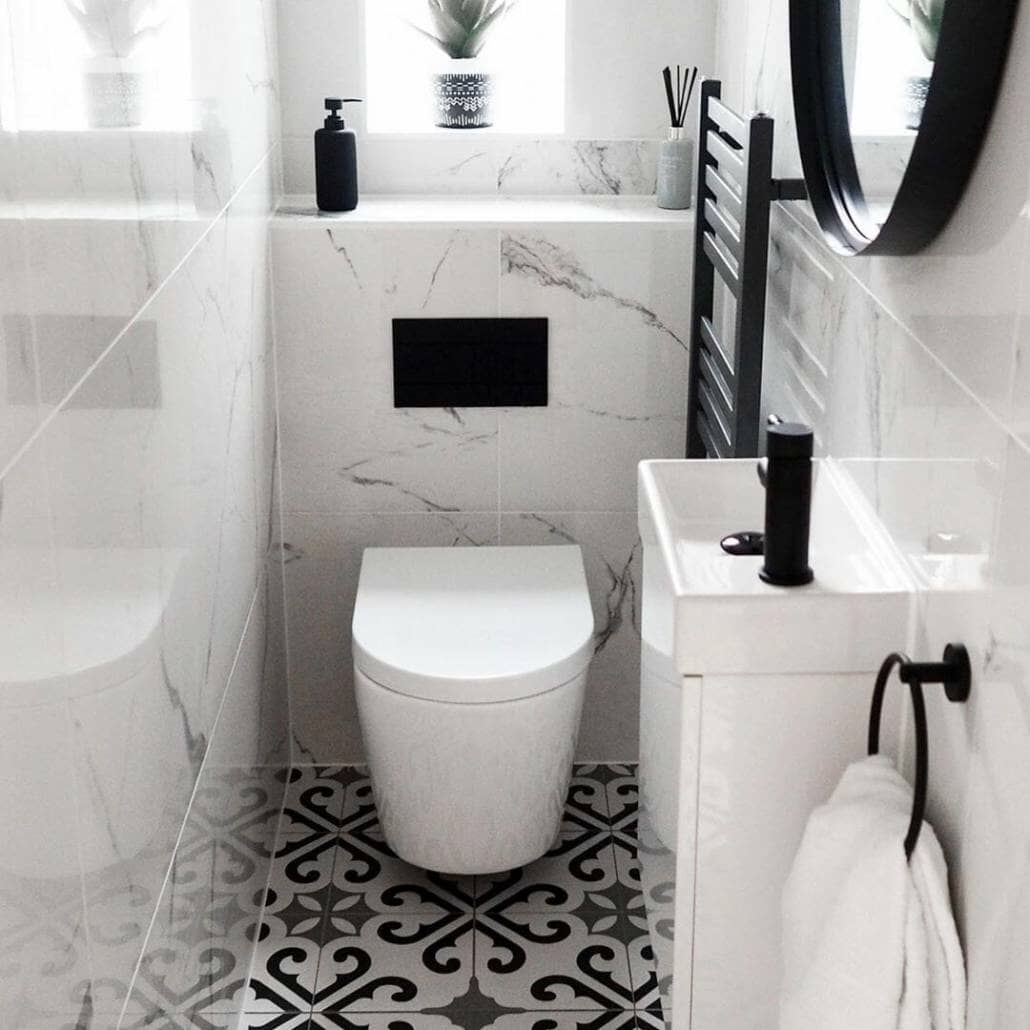 Wall Hung Toilet In Cloakroom