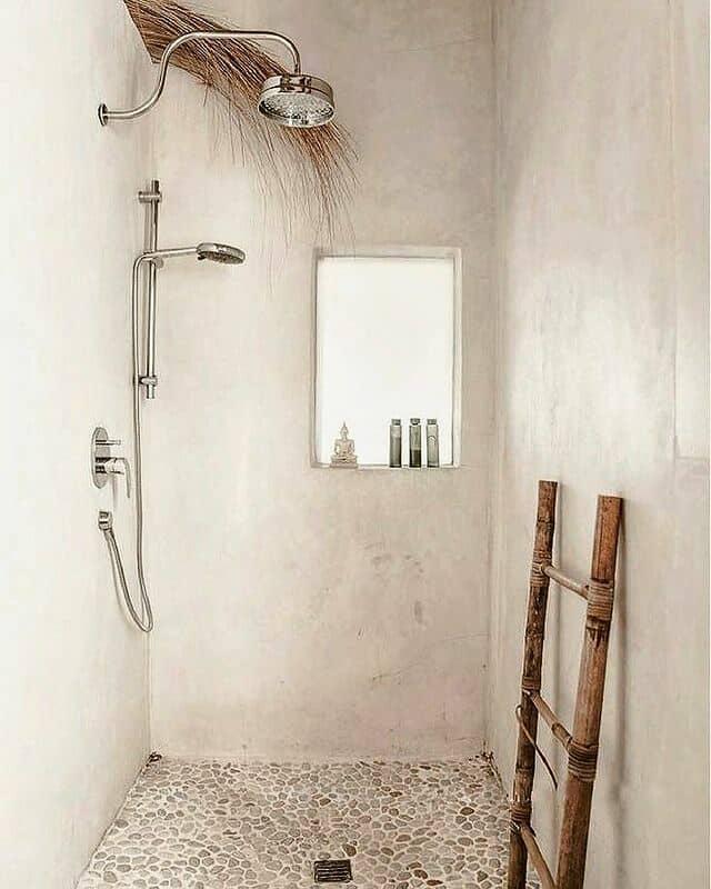maisonderone pebble floor bathroom found on Instagram