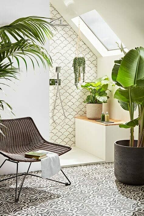bathroom with plenty of plants
